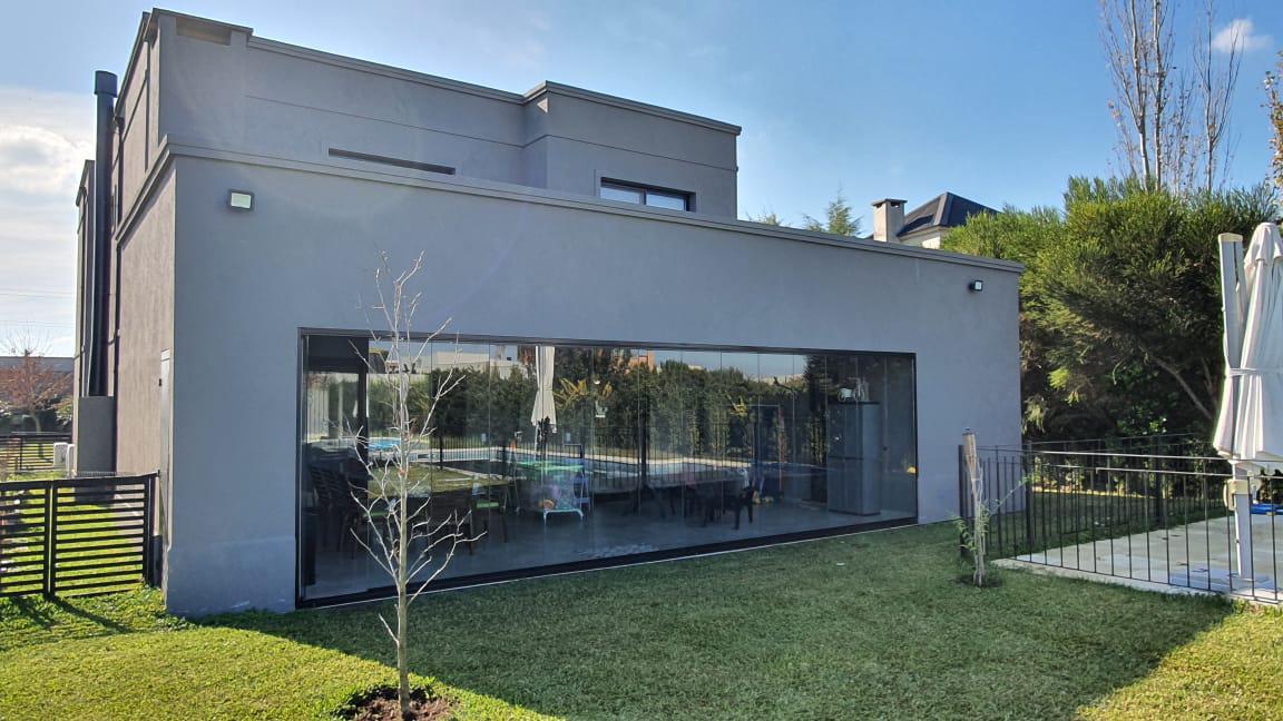 Foto Casa en Venta en  San Francisco,  Villanueva  Casa estilo moderno.6 amb. Jardín, Pileta.. calidad Premium. Villanueva. Tigre