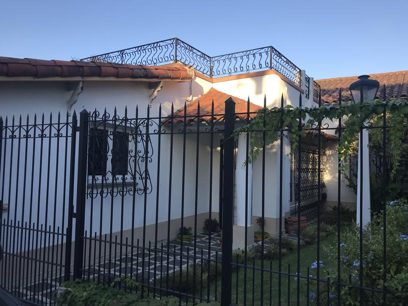 Foto Casa en Venta en  Lomas de Zamora Oeste,  Lomas De Zamora  VERGARA 573