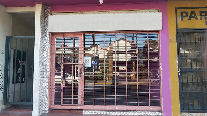 Foto Local en Alquiler en  Centro (Moreno),  Moreno  Bme. Mitre al al 400