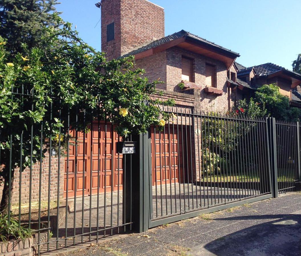 Foto Casa en Venta en  Villa Adelina,  San Isidro  Boedo al 600
