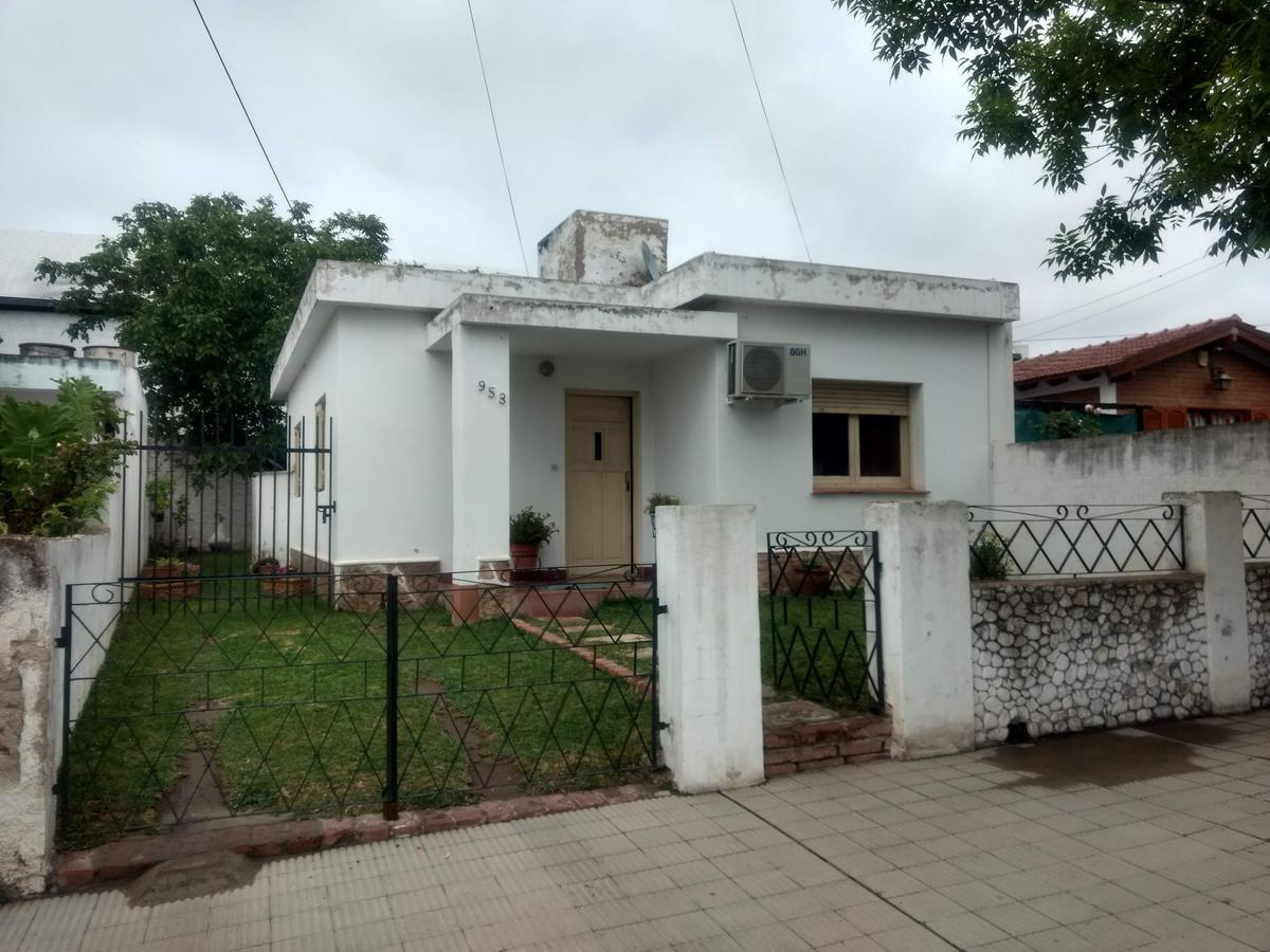 Foto Casa en Venta en  Cosquin,  Punilla  Centrándolo al 900