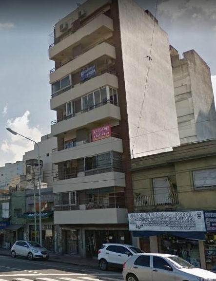 Foto Departamento en Venta en  Avellaneda,  Avellaneda  Av. Belgrano 794, Piso 3º, Depto. D