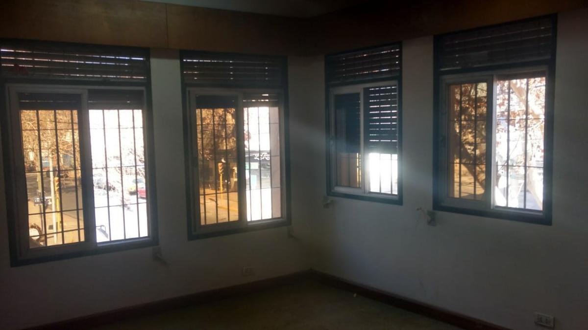 Foto Oficina en Alquiler en  Capital ,  San Juan  9 de Julio 28 (este) - 1º piso