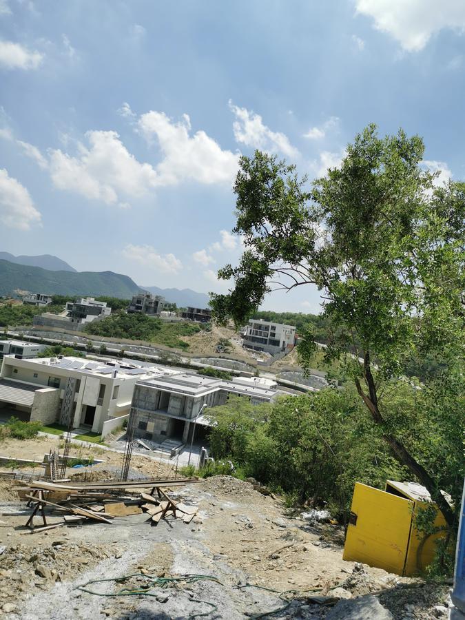 Foto Terreno en Venta en  Sierra Alta 9o Sector,  Monterrey  Terreno Venta Sierra  Alta Carretera Nacional