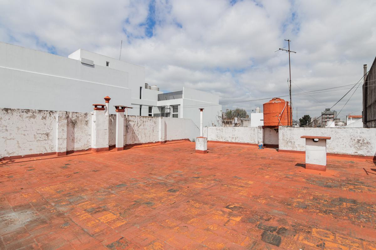 Foto PH en Venta en  Mataderos ,  Capital Federal  lisandro de la torre al 1600
