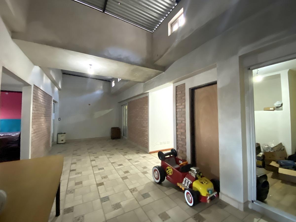 Terreno de 8,66 de frente - Local al frente- ideal para constructora - Centro