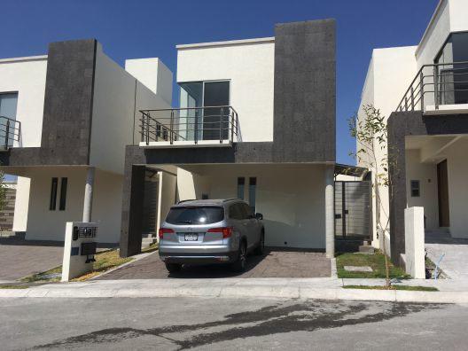 Foto Casa en Renta en  Querétaro ,  Querétaro  RENTA CASA FRACC. DEL PARQUE RESIDENCIAL CONDOMINIO MAGADI, EL MIRADOR QUERETARO