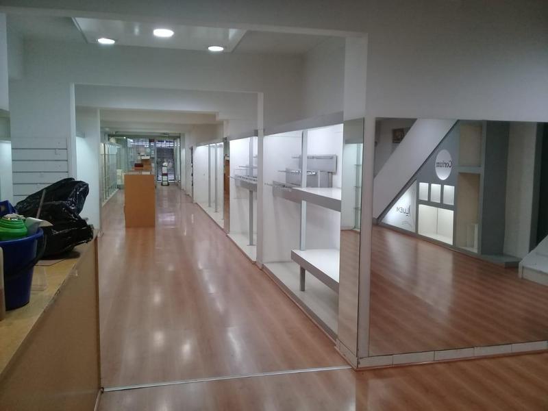 Foto Local en Alquiler | Venta en  Microcentro,  Centro (Capital Federal)  Av. Corrientes al 1100
