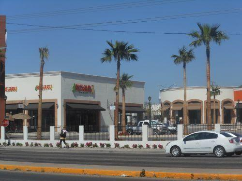 Foto Local en Renta en  San Luis,  Hermosillo  LOCAL COMERCIAL RENTA PLAZA BELMART