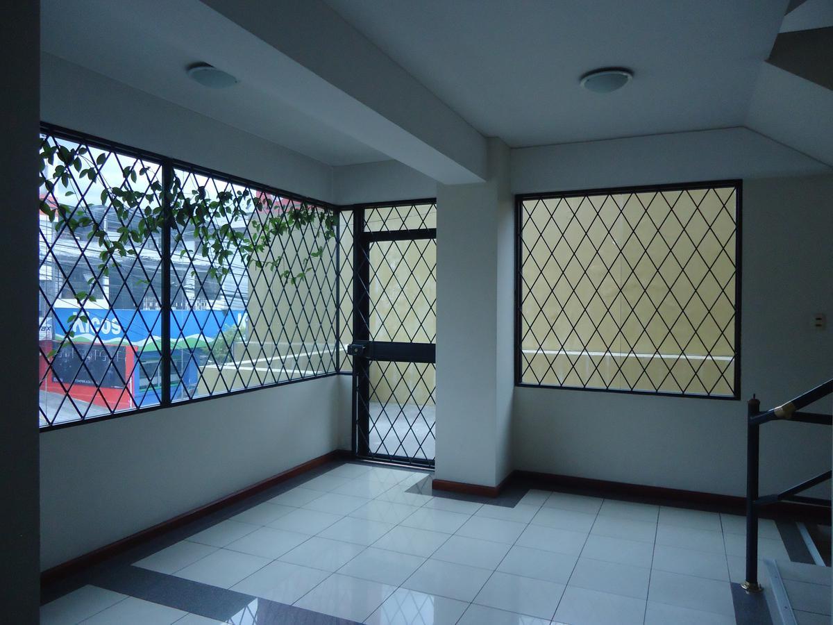 Foto Oficina en Venta en  Norte de Quito,  Quito  Oficina en Renta sector Mariana de Jesús MCP