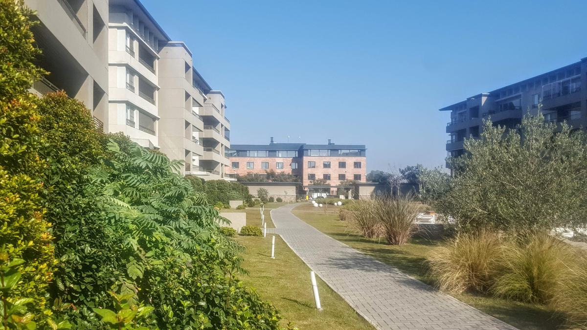 Foto Departamento en Alquiler en  Quartier Lomas de la Horqueta,  San Isidro  Quartier La Horqueta