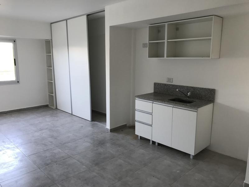 """Foto Departamento en Venta en  Lanús Oeste,  Lanús  CAVOUR 3497, 2do. """"A"""", e/Jose Marmol y Castro Barros"""