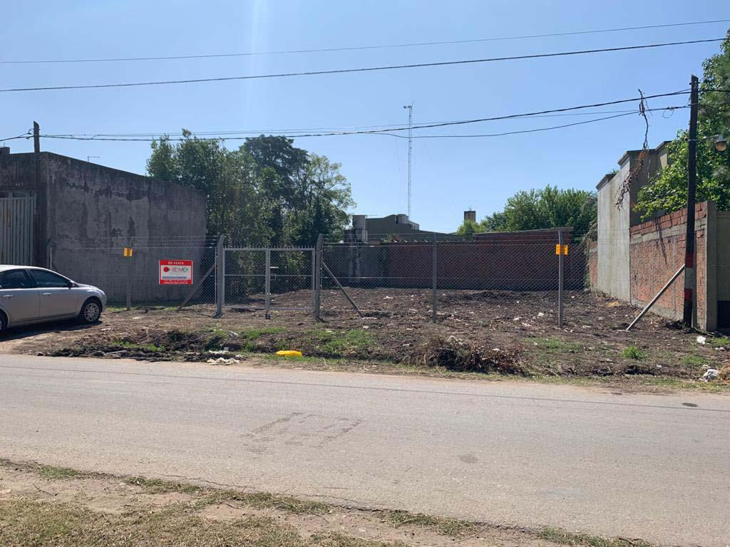 Foto Terreno en Venta en  Lisandro Olmos Etcheverry,  La Plata  Lote en 45 entre 159 y 160 - Barrio el Retiro