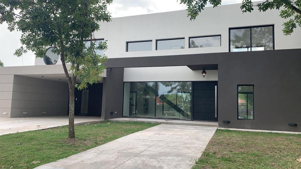 Foto Casa en Venta en  Francisco Alvarez,  Moreno  Barrio Cerrado Santa Ana Lote 12