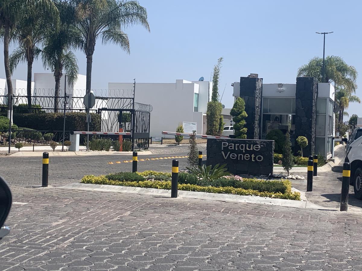 Foto Terreno en Venta en  San Bernardino Tlaxcalancingo,  San Andrés Cholula  Lotes en Parque Veneto, Lomas de Angelópolis, San Andres Cholula, Puebla