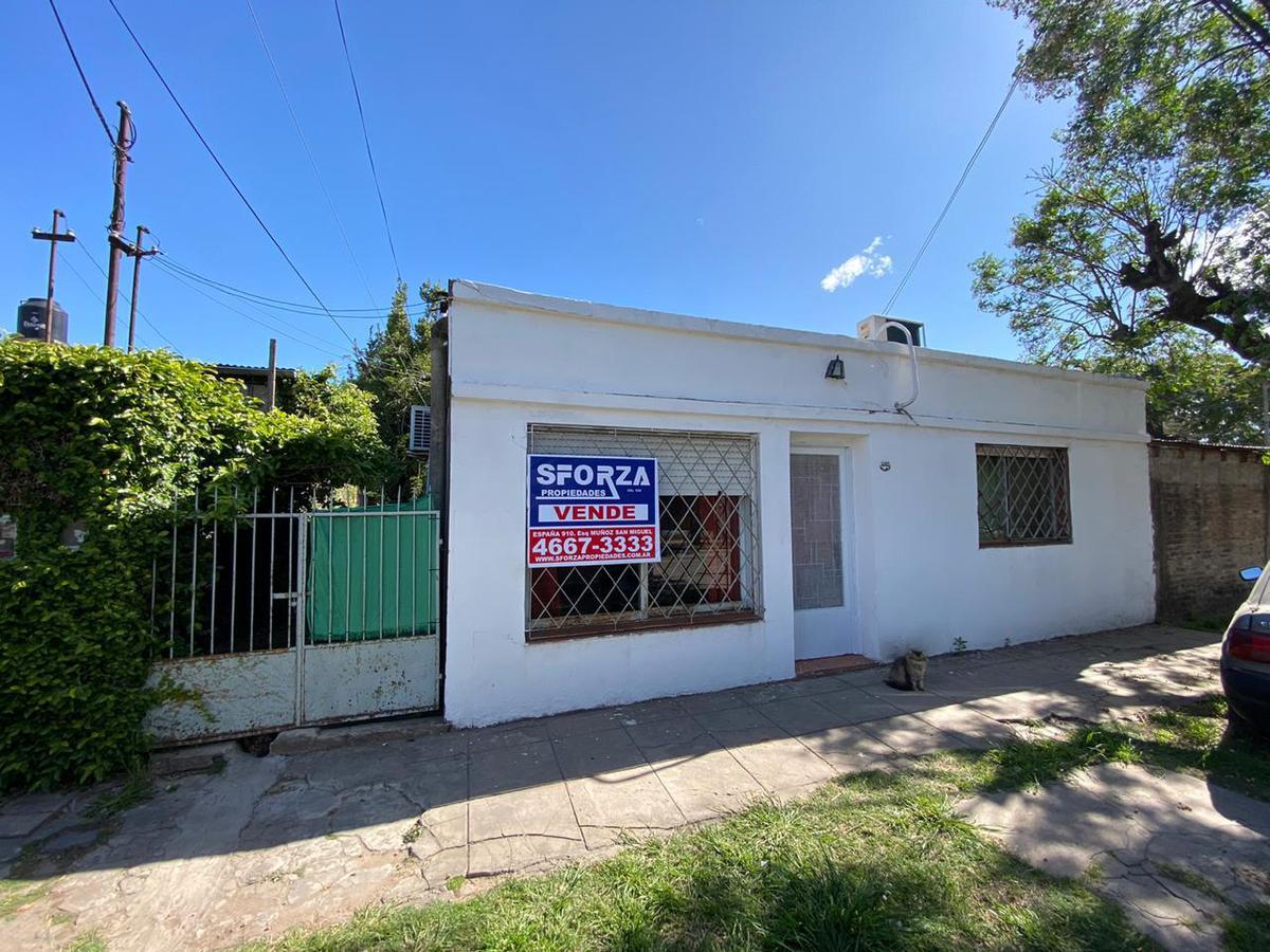 Foto Casa en Venta en  Jose Clemente Paz,  Jose Clemente Paz  Mendoza al 4000