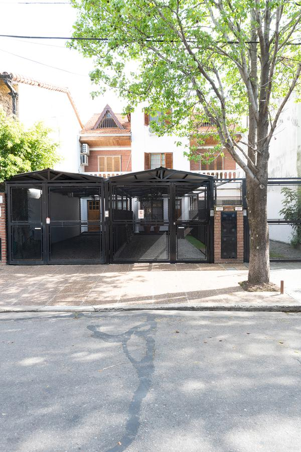 Foto Casa en Venta en  Olivos,  Vicente López  F. J. Sarmiento al 3600