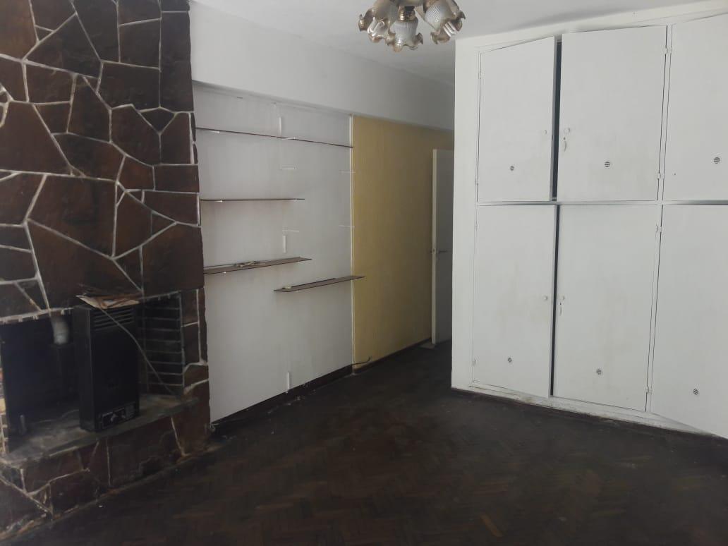 Foto Casa en Venta en  Maipú Seccion 1,  Cordoba Capital  Casa de 3 Dormitorios - 3 baños - B° Maipu