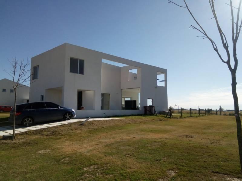 Foto Casa en Alquiler en  El Canton - Puerto,  Countries/B.Cerrado  Casa en Alquiler Puertos del Lago