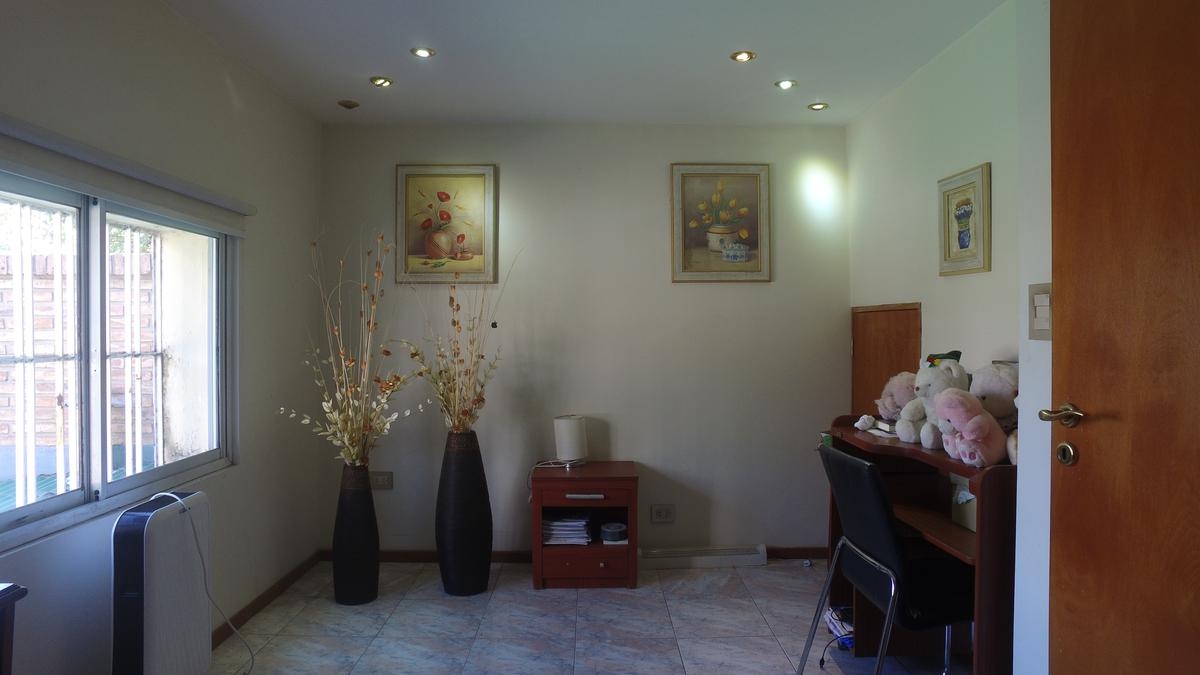 Foto Casa en Venta en  Alberdi,  Rosario  Olive y Bv. Rondeau