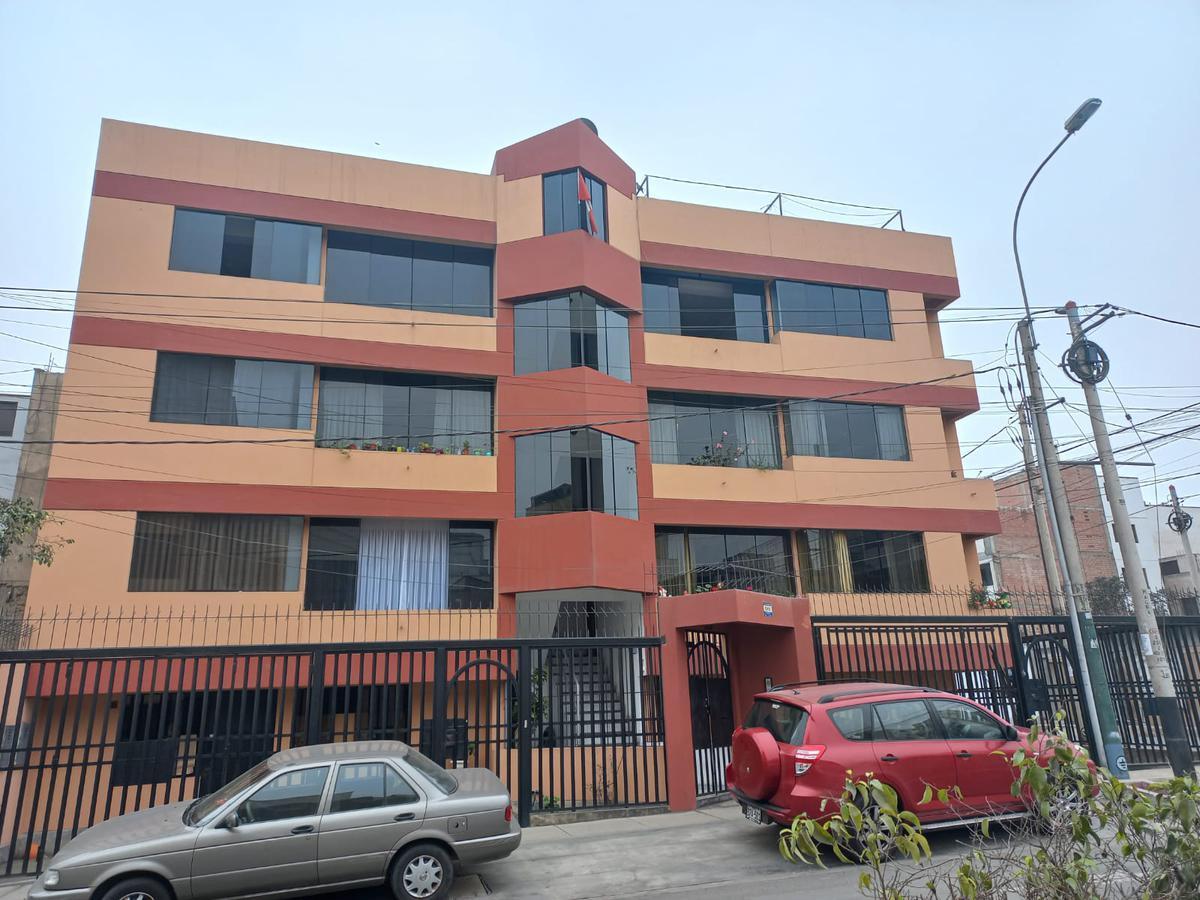Foto Departamento en Alquiler en  Santiago de Surco,  Lima  Jiron Loma de las Gardenias