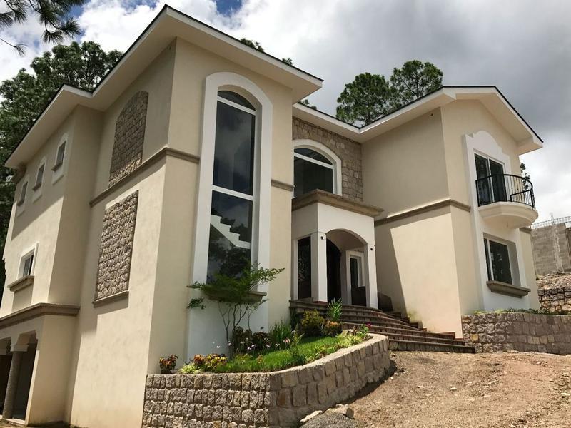 Foto Casa en Venta en  Miralago,  Tegucigalpa  Hermosa Casa en Miralago