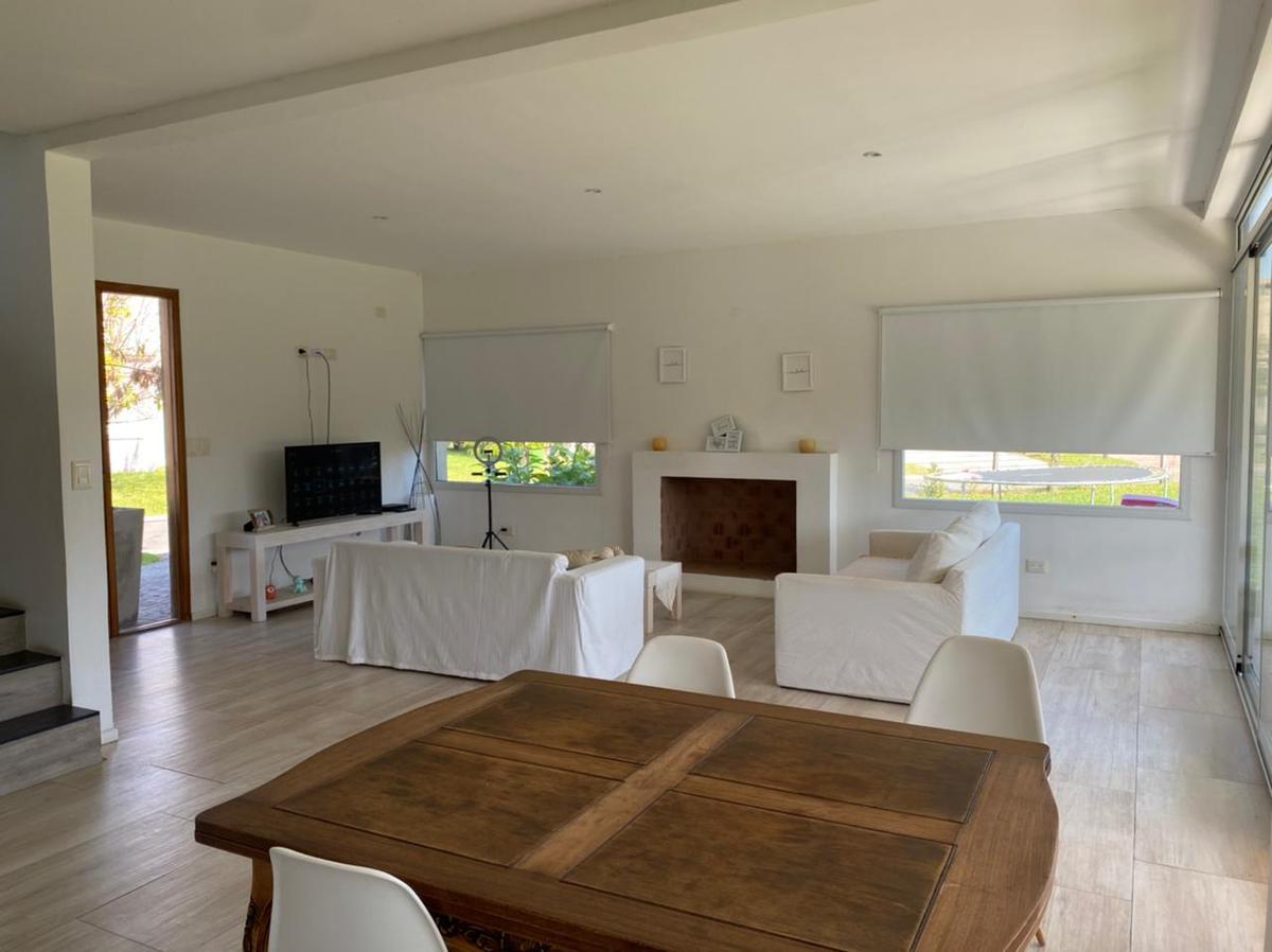 Foto Casa en Venta    en  San Francisco,  Villanueva   Venta casa 4 amb lote interno con piscina en San Francisco