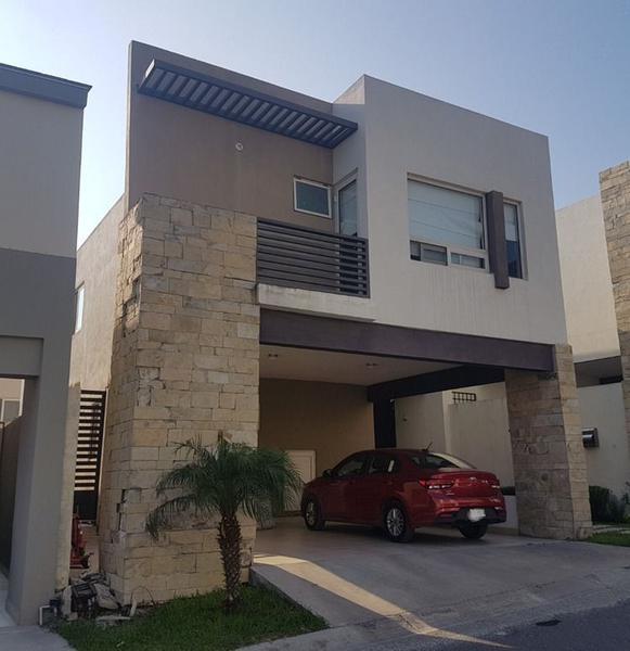 Foto Casa en Renta en  Monterrey ,  Nuevo León  Casa en Renta en Bosques de Vistancia, Fracc. Privado en Carr. Naciona