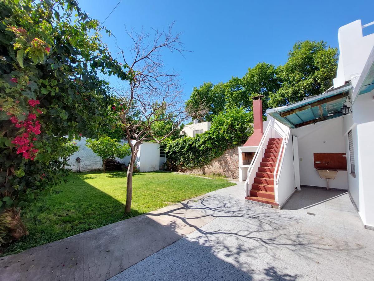 Foto Casa en Venta en  Matheu,  Rosario  Sarmiento 4471