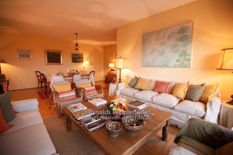 Foto Apartamento en Alquiler en  Golf ,  Montevideo  BR ARTIGAS A 300