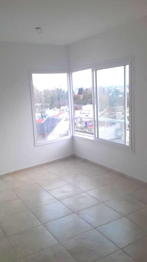 Foto Departamento en Alquiler en  Monte Castro ,  Capital Federal  Lascano  * esq. Allende . 4to. Piso al frente.  Dos amb. Sup. 53m2.  Por m2.: usd 2113