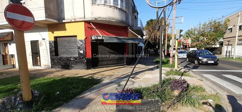 Foto Local en Alquiler en  Remedios De Escalada,  Lanus  MALABIA 504