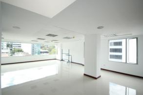 Foto Oficina en Venta | Alquiler en  Centro Norte,  Quito  AMPLIA OFICINA CORUÑA S.P.