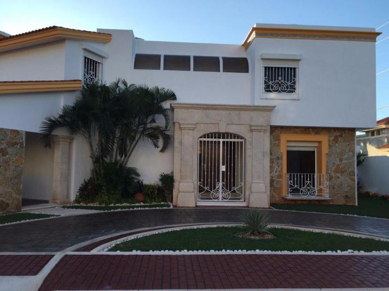 Foto Casa en Venta en  Río Bravo ,  Tamaulipas  RESIDENCIA EN MONTERREAL