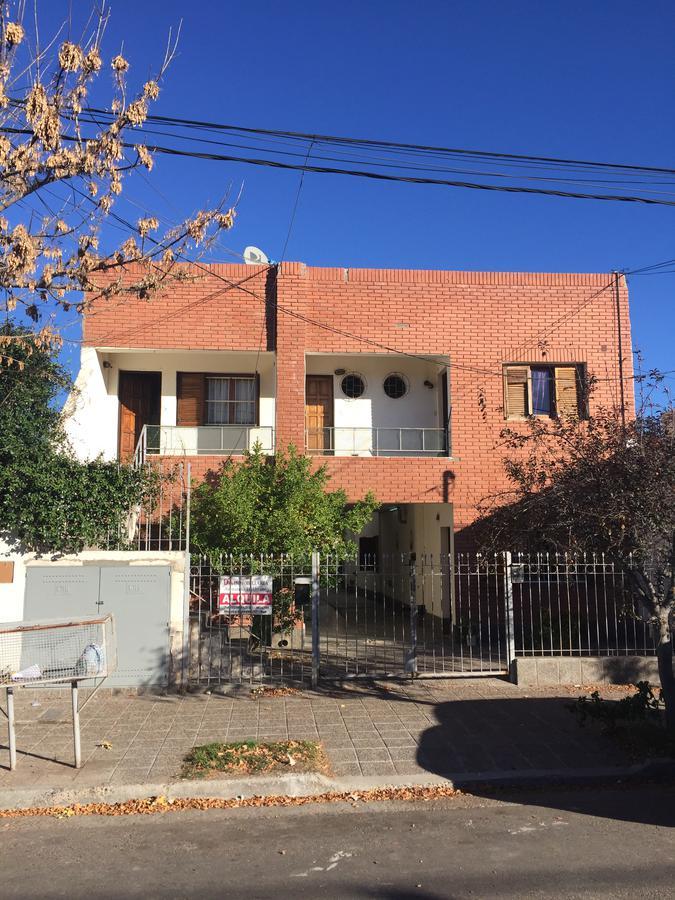 Foto PH en Venta en  Capital ,  Neuquen  Alberdi al 700