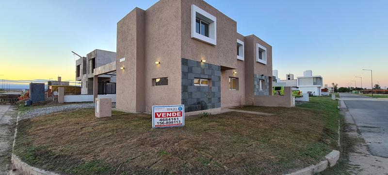 Foto Casa en Venta en  San Ignacio Village,  Cordoba Capital  Dueño- San Ignacio Village - 2 dorm, calef central - liquido!