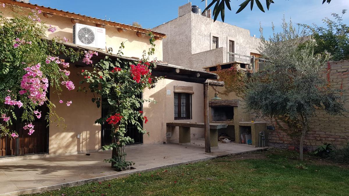 Foto Casa en Venta en  Capital ,  Mendoza  DR LEMOS  -Alta Mendoza-