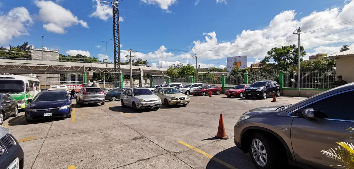 Foto Edificio Comercial en Renta en  Boulevard Kennedy,  Tegucigalpa  Amplio Complejo de oficinas y bodegas en Boulevard Kennedy