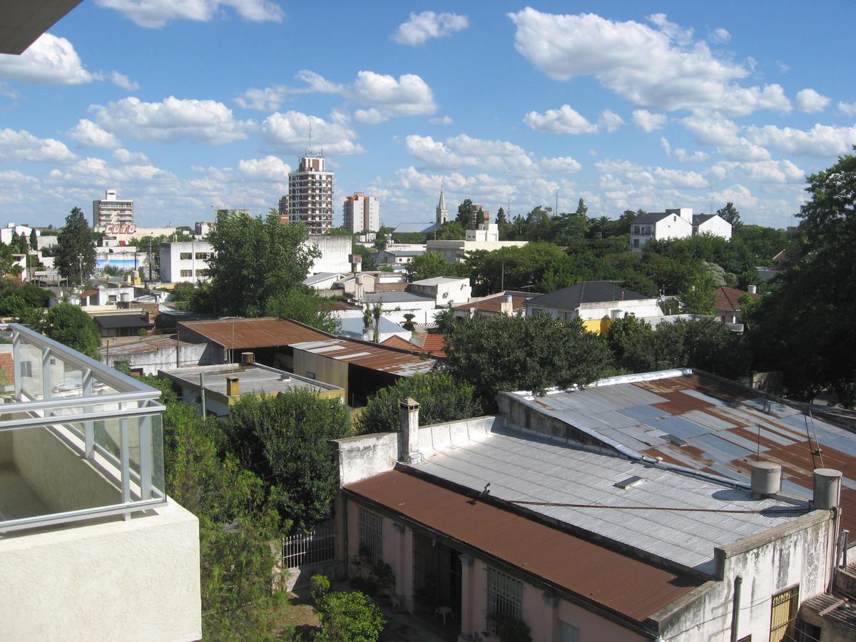 Foto Departamento en Alquiler en  Escobar ,  G.B.A. Zona Norte   MORENO al 800