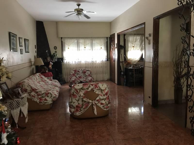 Foto Casa en Venta en  Boedo ,  Capital Federal  Cochabamba  al 3400