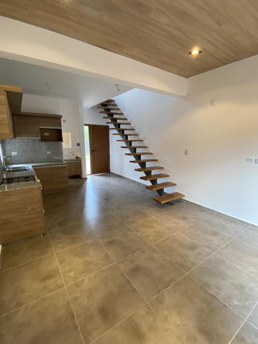 Foto Casa en Alquiler en  Lomas del Chateau,  Cordoba Capital  Lomas del Chateau - 2 dormitorios - Divino!!  Nasca esquina Cumpeo