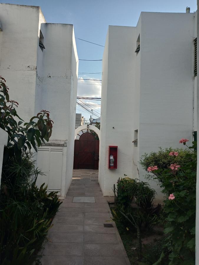 Foto Departamento en Alquiler en  Alto Alberdi,  Cordoba  La Rioja al 2100