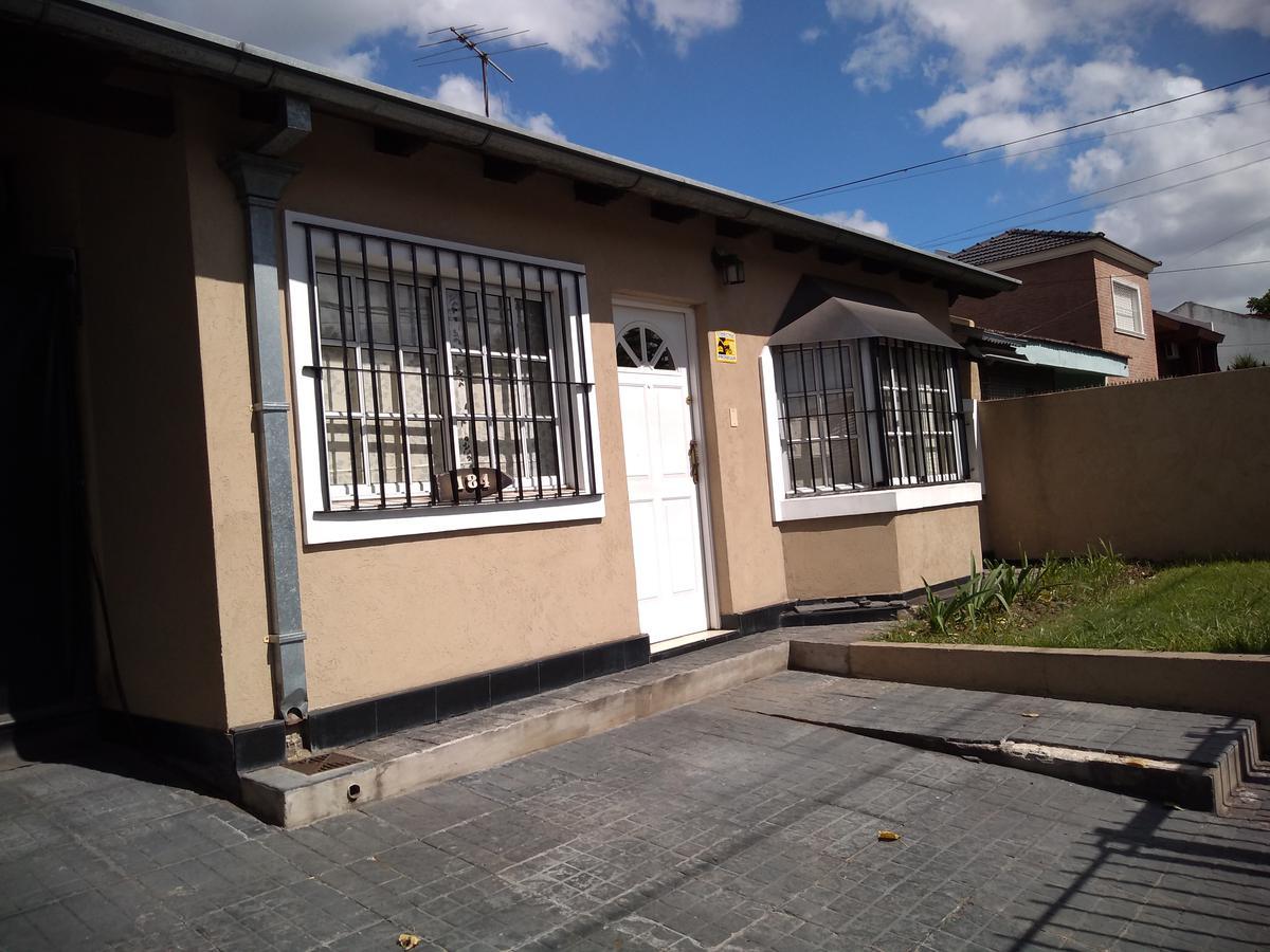 Foto Casa en Alquiler en  Bella Vista,  San Miguel  RICHIERI al 100