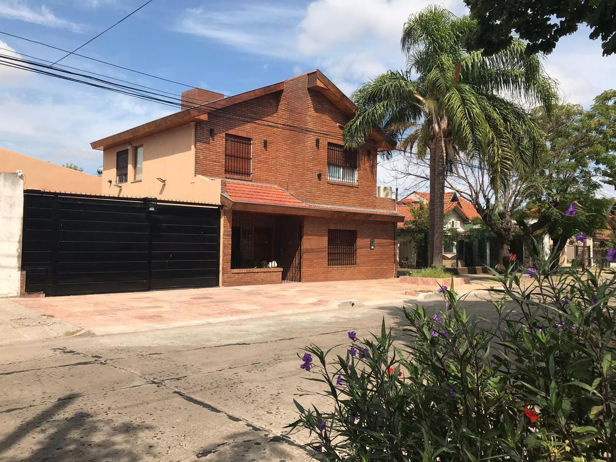 Foto Casa en Venta en Oribe al 100, Argentina | G.B.A. Zona Oeste | Ituzaingó