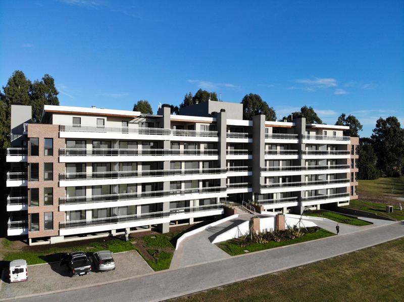 Foto Departamento en Venta en  Valdevez,  Tristan Suarez  Departamento con 3 dormitorios y balcón de 90m2