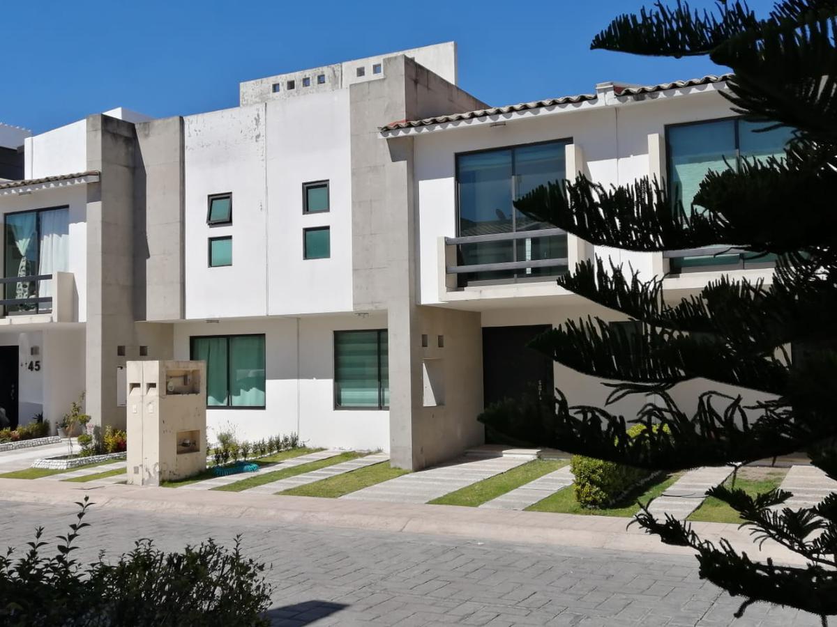 Foto Casa en condominio en Renta en  San Mateo,  Metepec  Fraccionamiento El Fortin