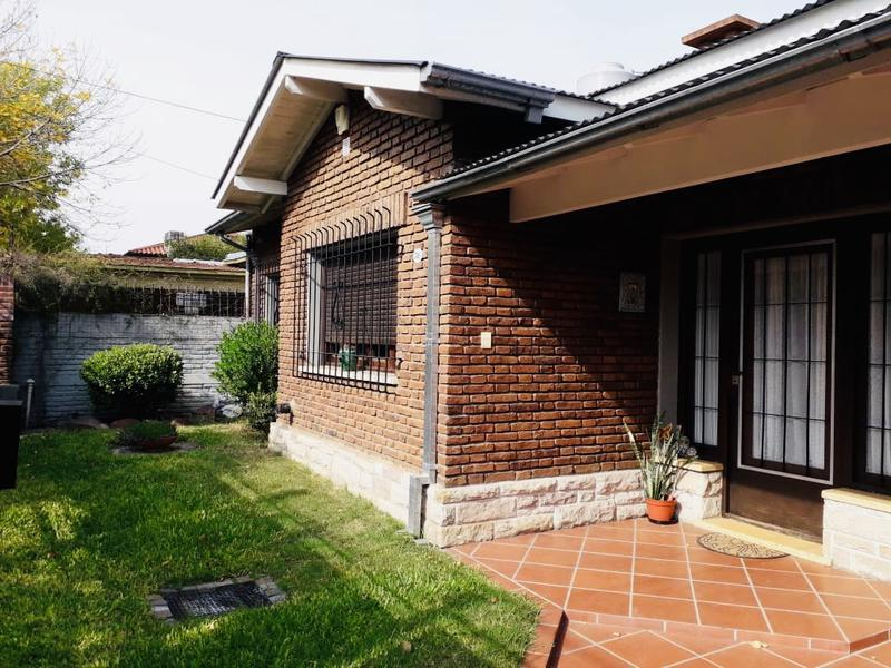 Foto Casa en Venta en  Ituzaingó Norte,  Ituzaingó  ombu al 300