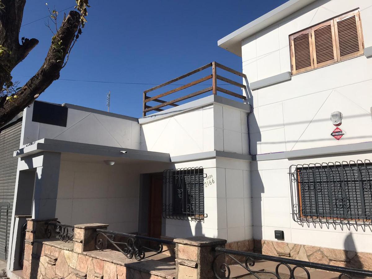 Foto Casa en Alquiler en  Talleres Este,  Cordoba  Punta de Sauce al 2100