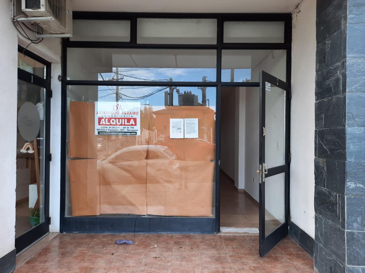 Foto Oficina en Alquiler en  Capital ,  Neuquen  Illia al 900