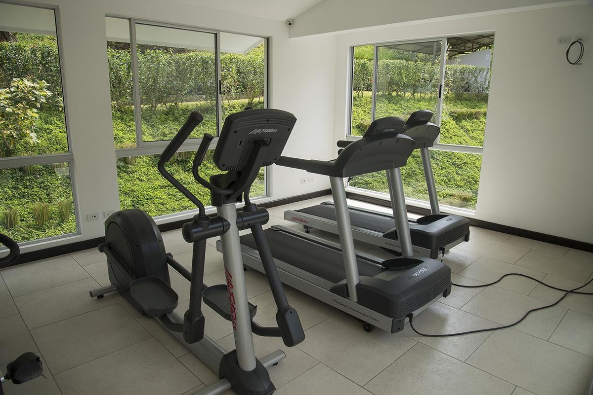 Foto Departamento en Venta en  Santa Ana ,  San José  Apartamento ideal para inversionista/ Linea Blanca/ Jardín